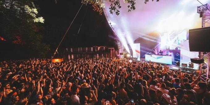 Camp Nowhere - Sunday at Austin360 Amphitheater